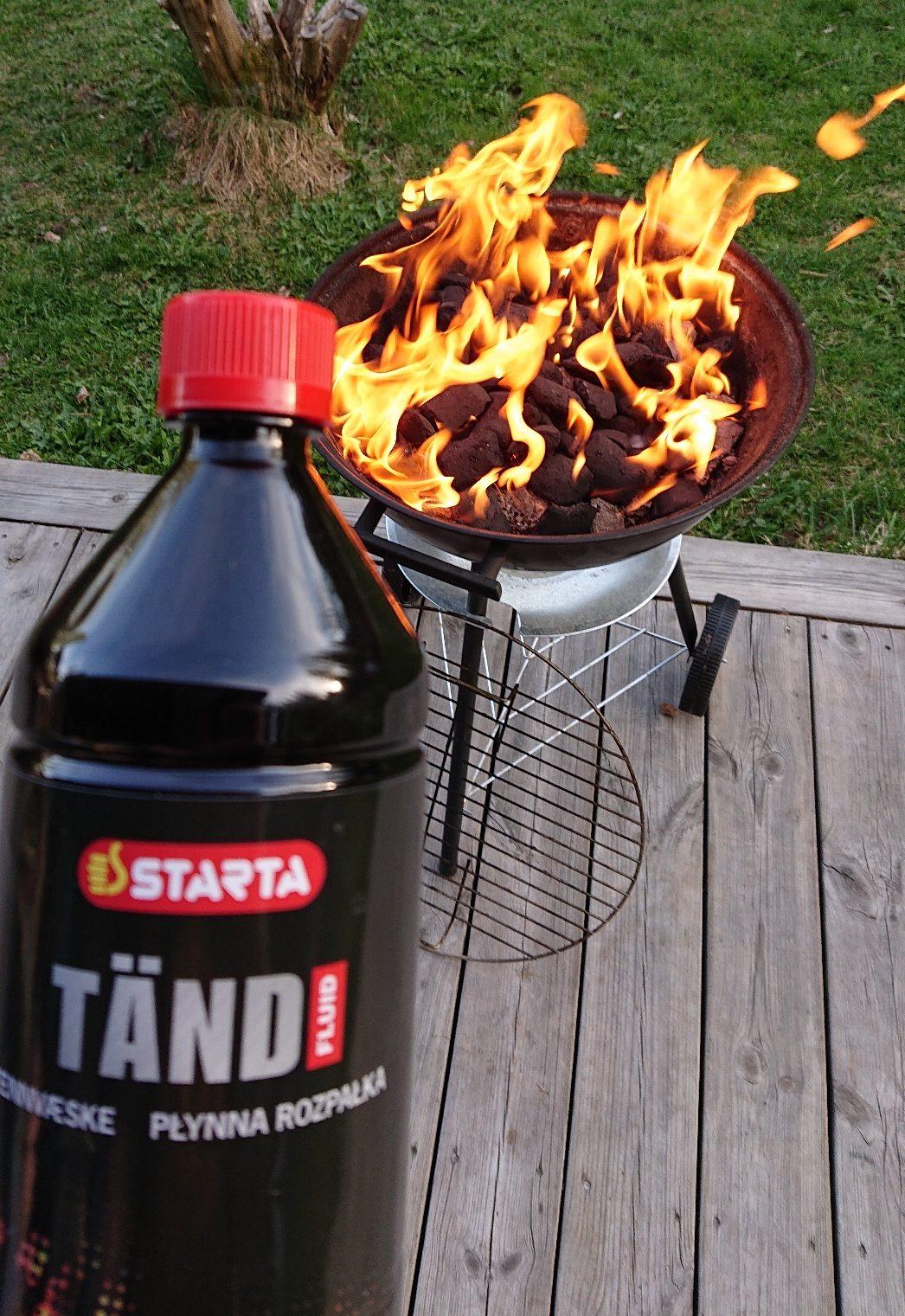Bild på STARTA Tändvätska och en grill